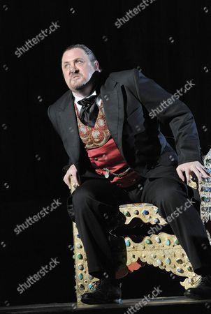 'Boris Godunov'  - Peter Rose ( Boris Godunov )