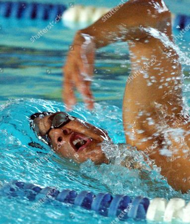 Australian Swimmer Geoff Huegill Swims During a Training For the Olympic 2004 in Athens of the Australian Swimming Team in Sindelfingen Germany Wednesday 04 August 2004 Germany Sindelfingen
