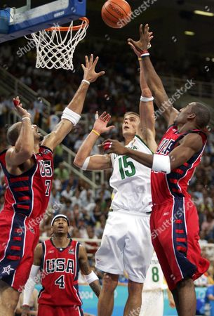 Robertas Javtokas (2nd-r) of Lithuania Against Amare Stoudemire (r) Carlos Boozer and Allen Iverson (l-r) of the United States in the Basketball Men's Bronze Medal Match at the Athens 2004 Olympic Games Saturday 28 August 2004 Epa/dpa/gero Breloer Greece Athens