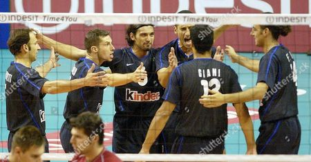 Italian Players (l-r) Andrea Sartoretti Valerio Vermiglio Samuele Papi Luigi Mastrangelo Andrea Giani and Alessandro Fei Celebrate After Defeating Russia in Their Semi-final Match at the Volleyball European Championship in Berlin Saturday 13 September 2003 Italy Won 3-0 to Advance to the Finals Epa Photo/dpa/bernd Settnik// Germany Berlin