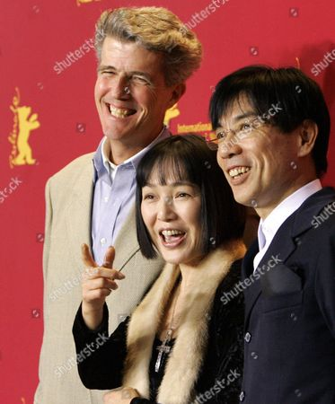 (l-r) Russian Actor Robert Dawson Japanese Actors Kaori Momoi and Issey Ogata Smile As They Present Their New Film 'The Sun' During a Press Conference at the Berlinale Filmfestival in Berlin on Thursday 17 February 2005 Th Film Tells the Story of the Meetings Between Us General Mcarthur and the Japanese Emperor Hirohito Shortly After the Second World War Germany Berlin