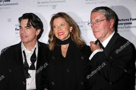 Peter Gallagher, Annette Bening, Brian Bedford