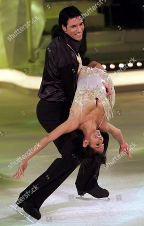 German Presenter Collien Fernandes (bottom) and Ice Skater Rico Rex (top) Participate in the Dancing on Ice Show in Cologne Monday 09 October 2006 Germany Koeln