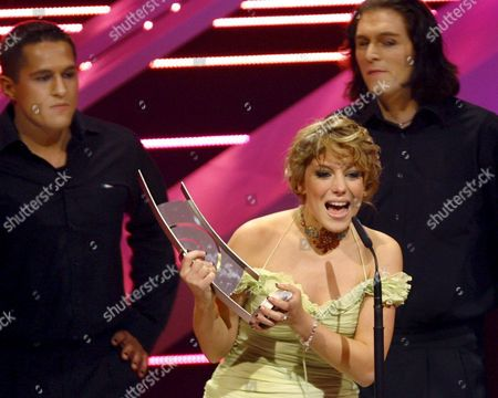 German Singer Lafee Holds Her Echo Award During the 'Echo Music Awards' Ceremony in Berlin Germany Sunday 25 March 2007 the German Phonographic Academy Honours Artists From All Over the World in 24 Categories Germany Berlin