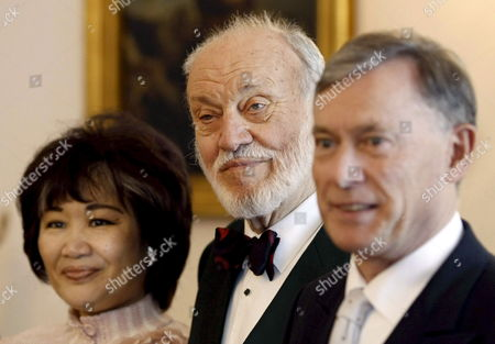 German President Horst Koehler (r) Conductor Kurt Masur (c) and His Wife Japanese Soprano Tomoko Masur Smile During the Federal Cross of Merit Award Ceremony at Bellevue Palace in Berlin Germany 20 September 2007 Masur was Honoured For His Musical and Social Achievements in the Course of the German Reunification Germany Berlin