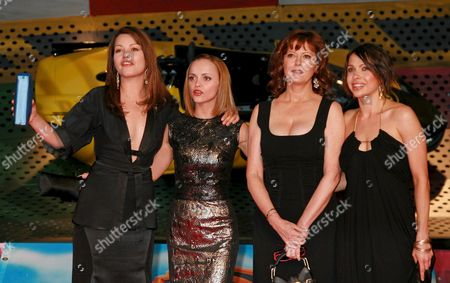German Actresses Cosma Shiva Hagen (l) and Jana Pallaske (r) Pose with Us Actresses and Cast Members Christina Ricci (2-l) and Susan Sarandon As They Arrive For the Premiere of the Movie 'Speed Racer' in Berlin Germany 28 April 2008 the Movie by Us Directors Andy and Larry Wachowski Opens in Germany on 01 May 2008 'Speed Racer' is Based on the Classic Television Series Created by Anime Pioneer Tatsuo Yoshida Which Follows the Adventures of Young Race Car Driver Speed and His Quest For Glory in His Mach 5 Race Car Germany Berlin