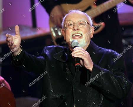 British Singer Roger Whittaker Performs on the Stage During the 26th Golden Tuning Fork (goldene Stimmgabel) in Ludwigshafen Germany Saturday 16 September 2006 Germany Ludwigshafen
