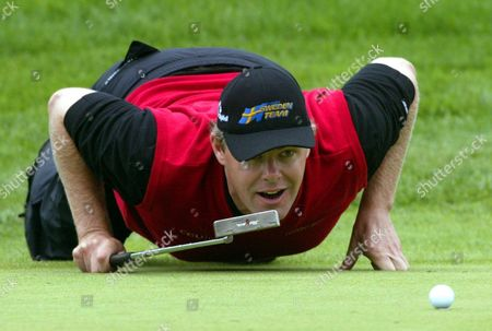 Swedish Golf Pro Joakim Haeggman Prepares a Putt During the Bmw Open Golf Tournament in Eichenried Germany Thursday 26 August 2004 Germany Eichenried