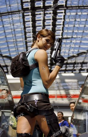 British Actress Karima Adebibe Poses As 'Lara Croft' in Berlin's Central Train Station Germany 18 May 2007 the 'Tomb Raider' Computer Game Character 'Lara Croft' was Developed Ten Years Ago by Core Design and Published by Eidos Interactive Germany Berlin
