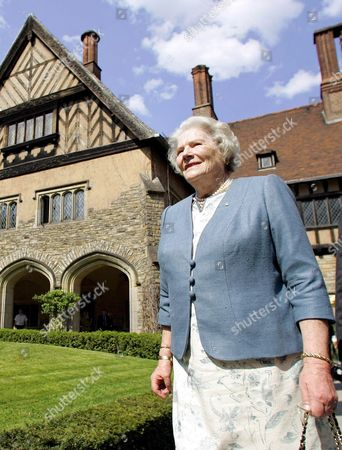 Lady Mary Soames Daughter of Winston Churchill Visits the Cecilienhof in Potsdam Germany Thursday 4 May 2006 She Visited the Palace Hosting the Potsdam Conference of the Allied Victorious Forces of Wwii Germany Potsdam