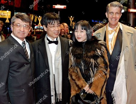 Film Director Alexander Sokurow (l) Russian Actor Robert Dawson (r) and Japanese Actors Issey Ogata (2nd L ) and Kaori Momoi Arrive Thursday 17 February 2005 For the Screening of Their Film 'Solnze' (the Sun) a Russian-italian-french-swiss Co-production at the 55th Berlin Film Festival Berlinale Germany Berlin