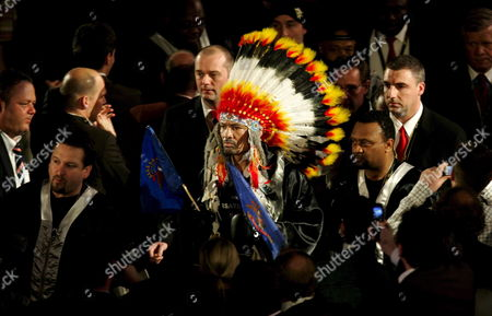 Us Boxing Wba Champion Virgil Hill (c) Arrives For His Rematch Fight with German Boxing Legend Henry Maske in Munich Germany Saturday 31 March 2007 Maske Won the Bout His First Fight Since His Defeat Against Hill in November 1996 Germany Munich