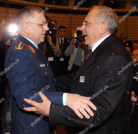 The Chairman of the Nato Military Committee German General Harald Kujat (l) Welcomes Turkish Defence Minister Vecdi Goenuel at the Beginning of the 3rd European Defence Congress in Berlin on Tuesday 23 November 2004 Defence Ministers and High-ranking Military Officials Meet in the German Capital to Discuss a European Defence Policy Germany Berlin