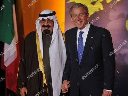 President George W. Bush welcomes King Abdullah bin Abd al-Aziz Al Saud of Saudi Arabia