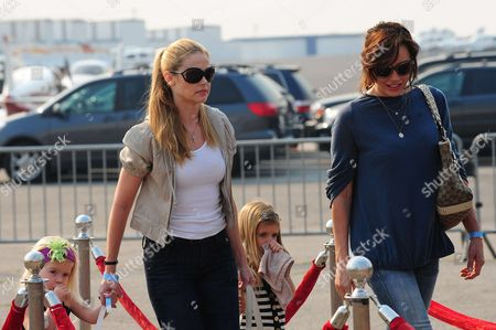 Denise Richards, Krista Allen and children.