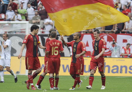 Germany's (l-r) Michael Ballack Torsten Frings Philipp Lahm David Odonkor and Miroslav Klose Celebrate Klose's 1-0 During the Soccer Friendly Germany Vs Belarus at Fritz-walter-stadion in Kaiserslautern Germany 27 May 2008 Germany Kaiserslautern