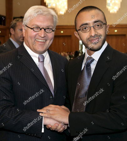 Frank-walter Steinmeier (l) German Foreign Minister and Abdullah Bin Zayed Al Nahyan United Arab Emirates Foreign Minister Shake Hands in Berlin Germany Monday 20 May 2006 Afterwards Former German Chancellor Gerhard Schroder was Nominated Honorary Chairman of the German Near and Middle East Association Numov Germany Berlin
