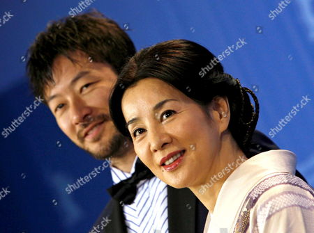 Japanese Actors Tadanobu Asano (l) and Actress Sayuri Yoshinaga During the Photo Call For Their Film 'Kabei - Our Mother' at the 58th Berlin International Film Festival in Berlin Germany 13 February 2008 the Film Runs in the Competition Fo the Golden Bear Awards at the 58th Berlin Film Festival Germany Berlin