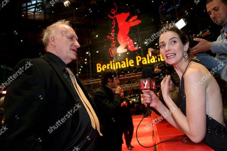 Israeli Tv Journalist Yael Goldman (r) Interviews Director Amos Kollek Before the Screening of His Film 'Restless' at the 58th Berlin International Film Festival in Berlin Germany 14 February 2008 the Film Runs in Competition For the Golden and Silver Bears at the 58th Berlinale Germany Berlin
