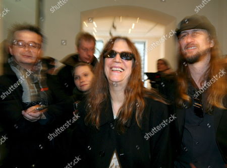 Us Singer Patti Smith (c) and Us Photographer and Director Steven Sebring (r) at the 'Artmbassy' Gallery in Berlin Germany 08 February 2008 Both Attended the Screening of Documentary 'Dream of Life' on the Artist's Life of Smith the 'Godmother of Punk' Germany Berlin