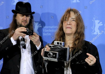 Us Singer Patty Smith (r) and Director Steven Sebring (l) Pose For Photos As They Arrive For the Screening of Their Film 'Patty Smith: Dream of Life' at the 58th Berlin International Film Festival in Berlin Germany 09 February 2008 the Documentary on the Life of 'Grandmother of Punk' Patty Smith is Running in the Panorama Section at the 58th Berlinale Germany Berlin