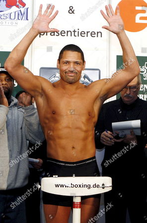 Defending Wba Cruiserweight Champion Us Virgil Hill Poses During the Official Weighing in Dresden Germany 23 November 2007 Hill who Lost an Unofficial Re-bout to German Henry Maske on Points Will Make a Mandatory Defense of His 'Regular' Wba Title on 24 November Taking on German Interim Wba Champ Firat Arslan Germany Dresden
