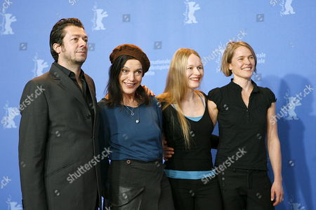 German Director Thomas Arslan and German Actresses Anja Schneider Angela Winkler and Karoline Eichhorn (l-r) Smile During a Photo Call For the Film 'Ferien' (vacation) at the 57th Berlinale Film Festival in Berlin Germany Thursday 15 February 2007 Germany Berlin