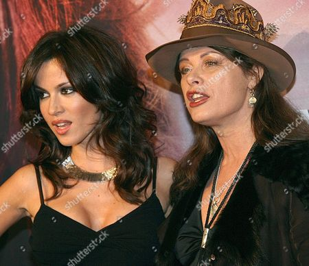 Actress Natalia Avelon (l) Poses For Photographers with German Former Top Model and 68 Generation Icon Uschi Obermaier (r) During the Presentation of the Film 'Das Wilde Leben' (the Wild Life) in Munich Late Wednesday 24 January 2007 Avelon Plays Uschi Obermaier's Part in the Film That Will Be Premiered in Germany on 01 February Germany Munich