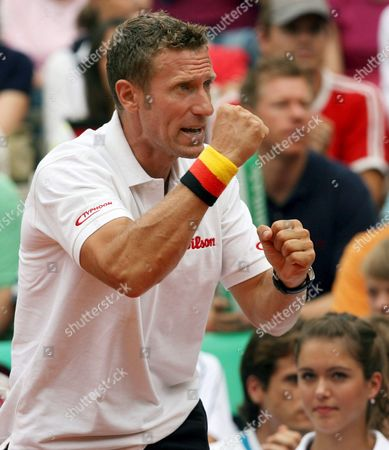 German Davis Cup Captain Patrick Kuehnen is Pictured During the Match Against Thai Twin Brothers Sanchai Ratiwatana and Sonchat Ratiwatana at the Duesseldorf Rochus Club in Duesseldorf Germany Saturday 23 September 2006 the German Double Waske and Kohlmann Won the Match 6-1 6-2 and 6-0 the Davis Cup Relegation Match Between Germany and Thailand Takes Place From Friday 22nd to Sunday 24th September 2006 Germany Duesseldorf