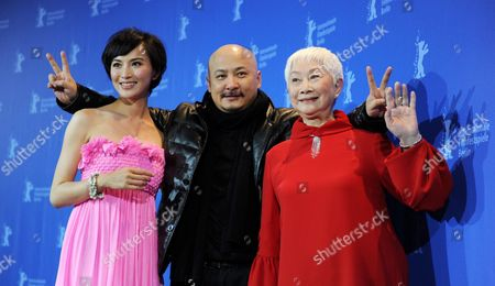 Chinese Actress Monica Mo (l-r) Chinese Director Wang Quan'an and Chinese Actress Lisa Lu Attend the Photocall For the Movie 'Tuan Yuan' Which Will Open the 60th Berlinale International Film Festival in Berlin Germany 11 February 2010 the Festival Runs Until 21 February Germany Berlin