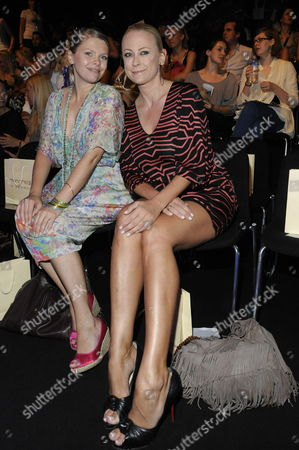 German Actresses Anne-sophie Briest (l) and Jenny Elvers-elbertzhagen (r) Attend a Fashion Show of 'Mongrels in Common' at the Mercedes-benz Fashion Week in Berlin Germany 02 July 2009 Spring/summer 2010 Fashion Trends Are Presented at the Fashion Week Until 04 July 2009 Germany Berlin