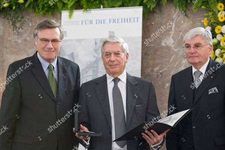 Former Chairman of German Fdp (free Democratic Party) and Chairman of Close Partisan Foundation of Fdp Friedrich-naumann-foundation For Freedom Wolfgang Gerhardt (l-r) Prize Winner Peruvian Essayist and Politician Mario Vargas Llosa and Chairman of the Board of Trustees and the Finance Committee of Friedrich-naumann-foundation Juergen Morlok Are Pictured During the Conferment of the Freedom Prize of Friedrich-naumann-foundation For Freedom to Peruvian Author Mario Vargas Llosa (72) at 'Paulskirche' Church in Frankfurt Main Germany 08 November 2008 Photo: Arnulf Meyer Germany Frankfurt Main