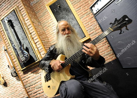 Us Musician Leland Sklar Plays a Warwick Bass Guitar at the International Music Fair in Frankfurt Am Main Germany 05 April 2011 Among Others Sklar Has Played Bass Guitar For Jacksonábrowne and Philácollins Exhibitors From 46 Countries Will Present Instruments Music Software Sheet Music Equipment and Provide Services at the Fair That Runs From 06 Until 09 April 2011 in 2010 77 600 People Visited the Fair For Music Instruments Germany Frankfurt Am Main