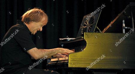 French Pianist Richard Clayderman Plays the Piano During the Final Rehearsal of His German Tour 'Melodien Zum Traeumen' (literally: Melodies to Dream) at the School Hall of the Comprehensive School in Rastede Germany 02 November 2008 Clayderman Will Play in German Churches and Concert Halls Until 21 November 2008 For His Final Rehearsal Clayderman Chose a Quiet Place Rastede Has Only 16 000 Inhabitants Germany Rastede