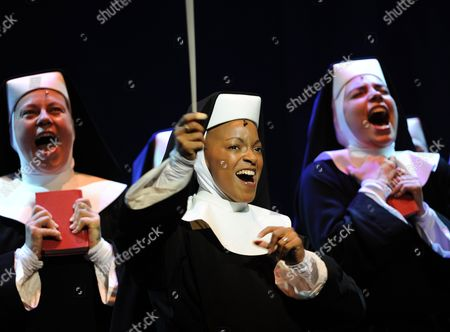 Zodwa Selele (c) Playing the Role of 'Deloris' and Other Actress Perform During the Rehearsal of the Musical 'Sister Act' in Hamburg Germany 12 November 2010 the Musical is Based on the Whoopi Goldberg Film of the Same Name and Premieres on 02 December 2010 Germany Hamburg
