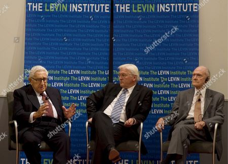 (l-r) Former Us Secretary of State Henry a Kissinger German Foreign Minister Frank-walter Steinmeier and President of the Scowcroft Group Brent Scowcroft Take Part in a Podium Discussion on Globalisation and the Finance Situation on the Sidebars of the 63rd Session of the United Nations General Assembly at United Nations Headquarters in New York New York Usa 24 September 2008 United States New York