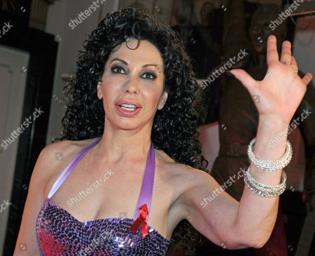 American German-based Pop Singer Jennifer Rush Arrives For the Gala 'Artists Against Aids' in Favor of the Berlin Aids-hilfe Ev at Theater Des Westens Berlin Germany 22 November 2010 Germany Berlin