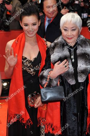 Chinese Actresses Monica Mo (l) and Lisa Lu Arrive For the Premiere of the Opening Film 'Tuan Yuan' ('apart Together') That Runs in Competition of the 60th Berlin International Film Festival in Berlin Germany 11 February 2010 the Festival Runs Until 21 Febuary 2010 Germany Berlin