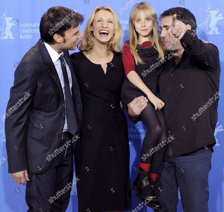 A Picture Made Available on 07 February 2009 Shows French Director Francois Ozon (l-r) French Actresses Alexandra Lamy and Melusine Mayance and Spanish Actor Sergi Lopez Posing at the Photocall For Their Film 'Ricky' at the 59th Berlin International Film Festival in Berlin Germany 06 February 2009 the Film is One of 18 Films to Compete For the Silver and Golden Bears of the 59th Berlinale Germany Berlin