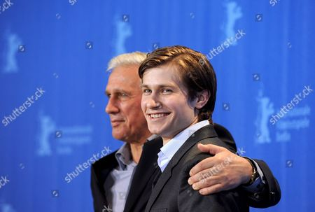 Polish Actors Pawel Szajda (r) and Jan Englert Pose During the Photo Call on the Film 'Sweet Rush' at the 59th Berlin International Film Festival in Berlin Germany 13 February 2009 the Film Runs in Competition a Total of 18 Films Compete For the Silver and Golden Bears of the 59th Berlinale Germany Berlin