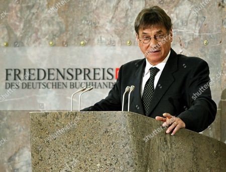 Italian Author Claudio Magris Delivers His Acceptance Speech After Being Awarded at the Paulskirche Church in Frankfurt Am Main with the Peace Prize of the German Book Association by Gottfried Honnefelder (unseen) Principal of the Association 18 October 2009 the Author and Germanic is Honored For His Literary Efforts on Coexistence and Cooperation of Different Cultures in Europe the Prize is Valued at 25000 Euros Germany Frankfurt/main