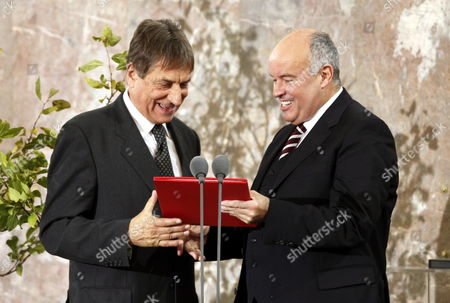 Italian Author Claudio Magris (l) is Awarded at the Paulskirche Church in Frankfurt Am Main with the Peace Prize of the German Book Association by Gottfried Honnefelder Principal of the Association 18 October 2009 the Author and Germanic is Honored For His Literary Efforts on Coexistence and Cooperation of Different Cultures in Europe the Prize is Valued at 25 000 Euros Germany Frankfurt/main