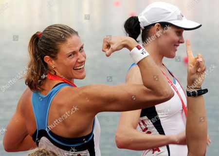 Susan Francia of Women's Eight of the Usa Shows Her Muskels During the Medals Ceremony at the Shunyi Olympic Rowing Park in Beijing 17 August 2008 Right Behind Her is Caryn Davies Team Usa Won Gold China Beijing