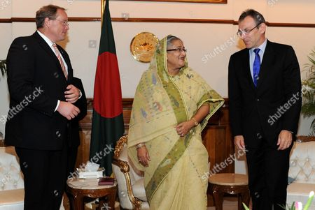 German Minister For Economic Cooperation and Development Dirk Niebel (l) and Eu Commissioner For Development Andris Piebalgs (r) Meet the Prime Minister of Bangladesh Sheikh Hasina Wajed (c) in Dhaka Bangladesh 21 June 2011 Niebel and Peibalgs Are on a Official Visit in Pakistan Afghanistan and Bangladesh Bangladesh Dhaka