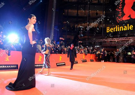 Chinese Actress and Jury Member Yu Nan (l) Attends the Premiere of the Film 'Tuan Yuan' During the 60th Berlinale International Film Festival on Thursday 11 February 2010 in Berlin the Festival Runs Until 21 Febuary 2010 Germany Berlin