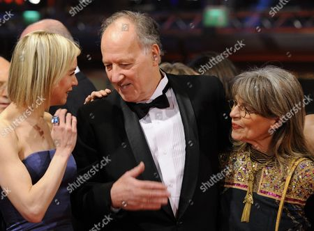 (r-l) Jury Members German Actress Cornelia Froboess German Director Werner Herzog and Us Actress Renee Zellweger Arrive For the Premiere of the Opening Film 'Tuan Yuan' ('apart Together') That Runs in Competition of the 60th Berlin International Film Festival in Berlin Germany 11 February 2010 the Festival Runs Until 21 Febuary 2010 Germany Berlin