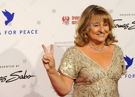 Irmelin Indenbirken-dicaprio Mother of Us Actor Lenardo Dicaprio Arrives For the Cinema For Peace Charity Gala in Berlin Germany 15 February 2010 the 'Cinema For Peace' Gala is Part of the 60th Berlin International Film Festival Germany Berlin
