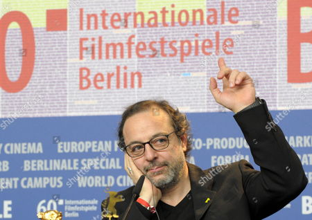 Turkish Director Hasan Semih Kaplanoglu who Won the Golden Bear For the Best Film For the Movie 'Honey' Gestures During the Press Conference After the Closing Ceremony of the 60th Berlinale International Film Festival in Berlin Germany 20 February 2010 Up to 400 Films Are Shown Every Year As Part of the Berlinale's Public Programme the Berlinale is Divided Into Different Sections Each with Its Own Unique Profile Germany Berlin