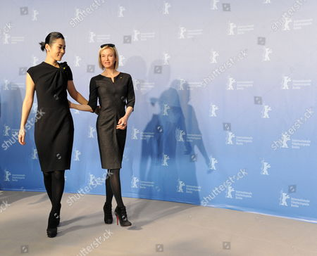 Chinese Actress Yu Nan (l) and Us Actress Renee Zellweger Attend a Photocall of the Berlinale Jury on the Occasion of the 60th Berlinale International Film Festival in Berlin Germany 11 February 2010 the Festival Runs From 11 to 21 February Germany Berlin