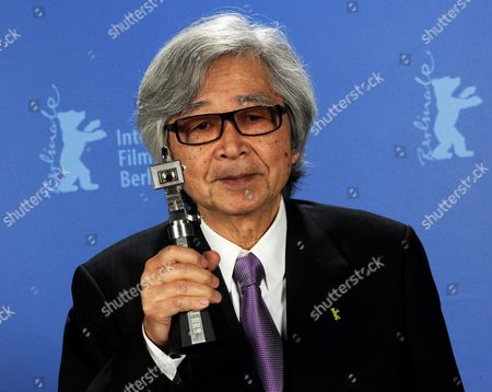 Japanese Director Yoji Yamada Poses with His Trophy the 'Berlinale Camera' For His Work During the Awarding Ceremony of the 60th Berlinale International Film Festival in Berlin Germany Saturday 20 Febuary 2010 Germany Berlin